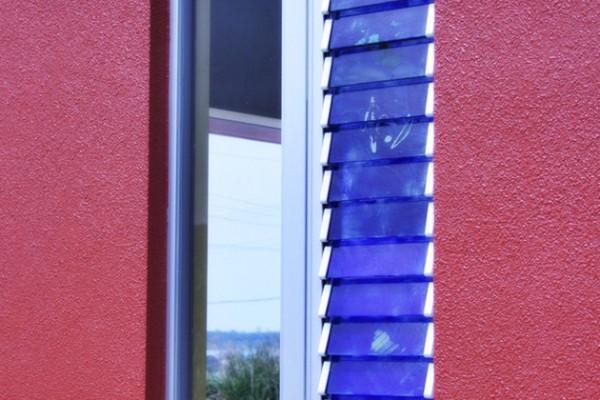 沖縄ガラスルーバー