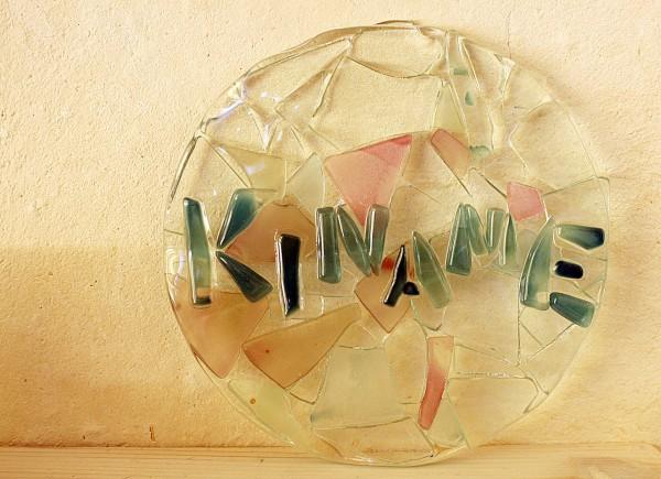 結婚祝いに「琉球ガラス表札体験」を貰った